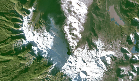 NEW SATELLITE DETECTS NEW CRATER AT PUYEHUE CAULLE VOLCANIC COMPLEX IN CHILE