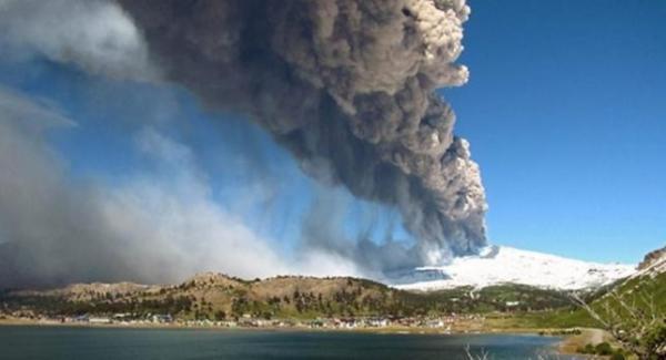 Στο πόδι οι αρχές Χιλής και Αργεντινής εξαιτίας του ηφαιστείου Κοπαχούε στην οροσειρά των Άνδεων.