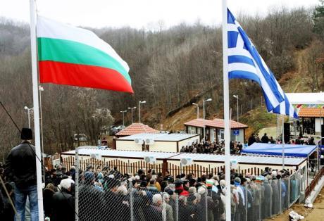 Βγάζουν Βουλγάρικες ταυτότητες και πινακίδες προκειμένου να μην πληρώσουν