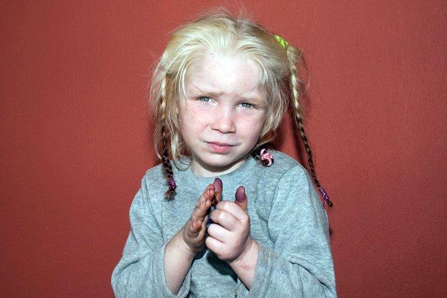Περίεργη υπόθεση με 4χρονο κορίτσι που βρέθηκε σε οικισμό Ρομά