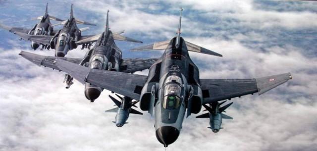 ΤΕΣΣΕΡΑ F-4Ε 2020 ΠΕΤΑΞΑΝ ΣΕ ΛΙΓΟΤΕΡΟ ΑΠΟ 1000 ΜΕΤΡΑ ΥΨΟΣ!