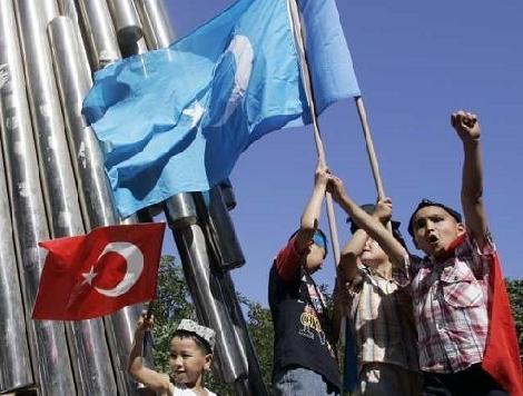 Ουιγούρων (τουρκόφωνων μουσουλμάνων)
