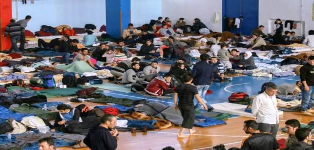 ΣΥΡΙΖΑ θέλει να δώσει μαζικά ιθαγένεια και ασφάλιση σε όλους τους μετανάστες