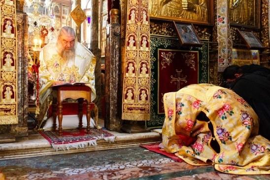 κληρικός1 (2)